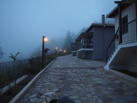 Ilaeira Mountain Resort: our appartmentroad!