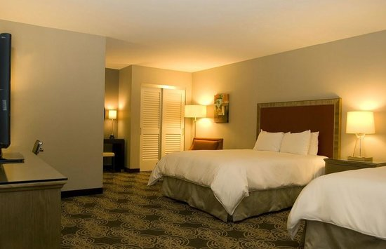 Radisson Hotel San Diego - Rancho Bernardo: The big rooms are great when you travel with family