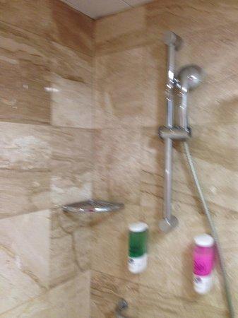 Cantur City Hotel : Ванная комната