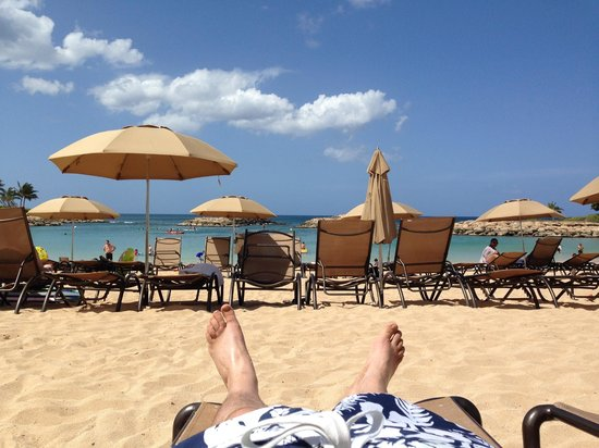Aulani, a Disney Resort & Spa: Beach is great!