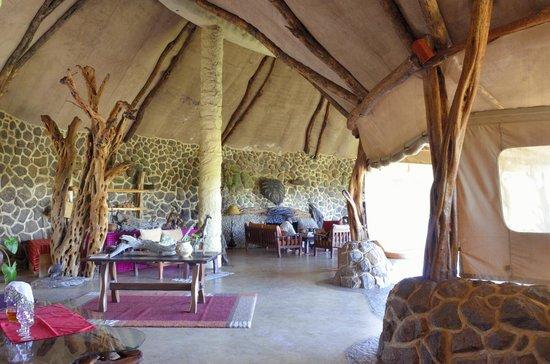 Amani Mara Camp: The hall