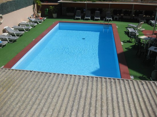 Plaza Santa Ponsa Boutique Hotel: Pool from bedroom