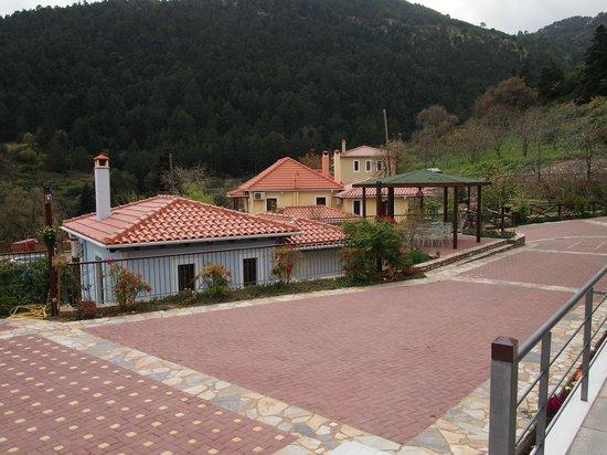 Ilaeira Mountain Resort: patio