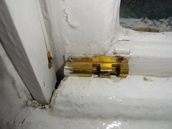 Redcar Hotel: Have you seen a bolt???