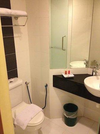 Hotel Sentral : バスルーム