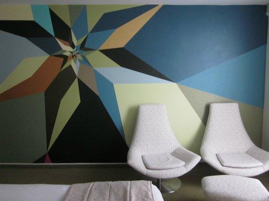 Hotel BLOOM!: peinture sur le mur!