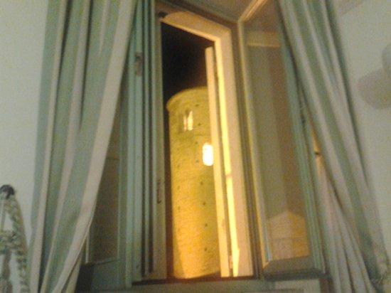 Hotel San Claudio : vista dell'abbazia dalla camera