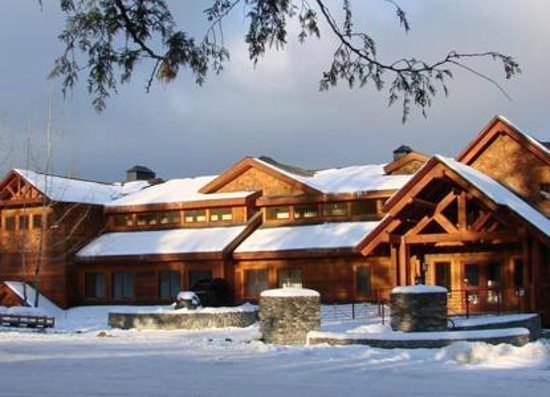 The Lodge at Sandpoint: Open all year