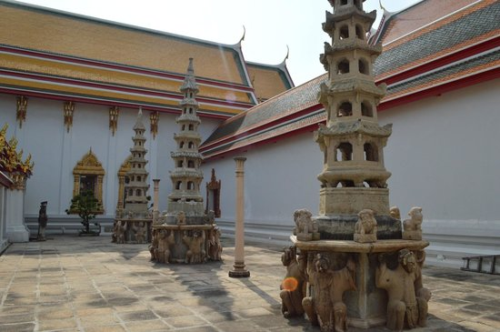 Temple du Bouddha Couché (Wat Pho) : Patio estilo chino