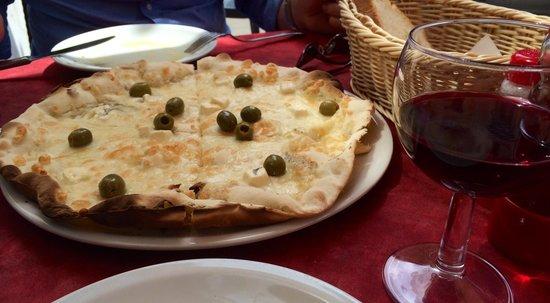 Antiche Mura : Greek pizza