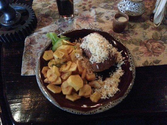 Bury Mis : Kotlet góralski z opiekanymi ziemniakami