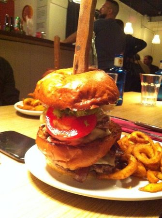 Big Al's American Kitchen: Hamburguesa half pound