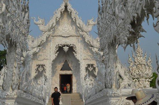 Wat Rong Khun: Templo Blanco - Entrada