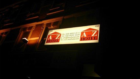 A To Z Hotel : vista nocturna