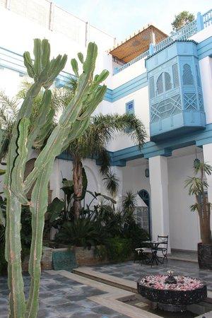 Riad le Perroquet Bleu : Внутренний дворик
