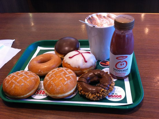 Krispy Kreme Edinburgh: Wide selection of doughnuts