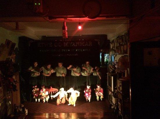 Htwe Oo Myanmar Puppet Theater : Beautiful ending!