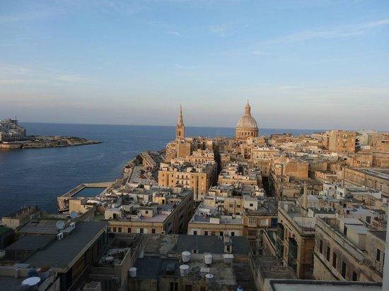 Osborne Hotel : Valletta, Malta from room 601