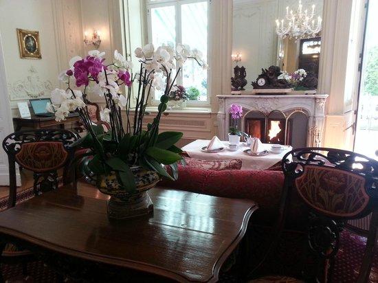 Hotel Belle Epoque: Sala na qual se toma o chá da tarde.