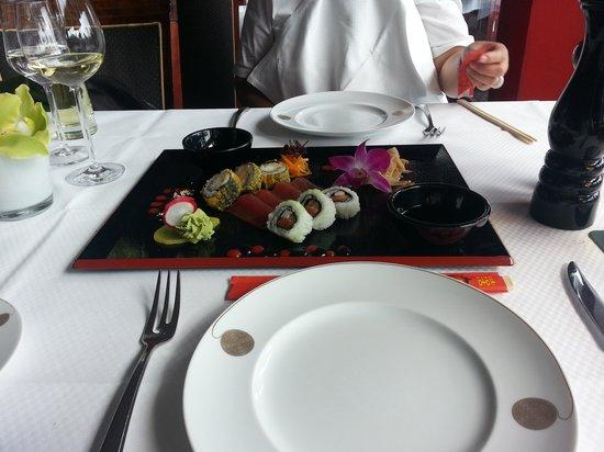 Fischereihafen-Restaurant: Sushi and Sashimi starter