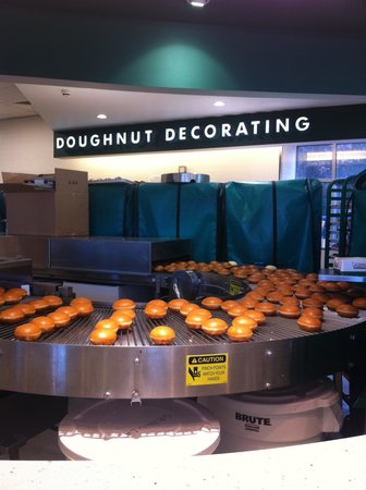 Krispy Kreme Edinburgh: Doughnut conveyor belt