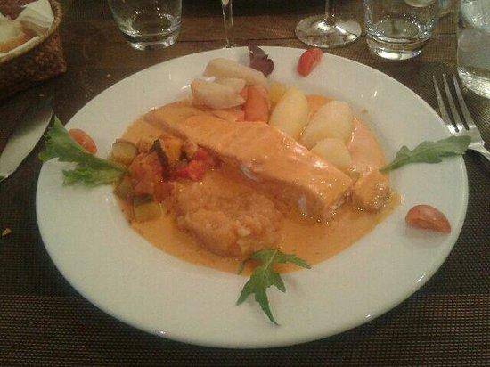 Chez Boubou: Saumon sauce crevette