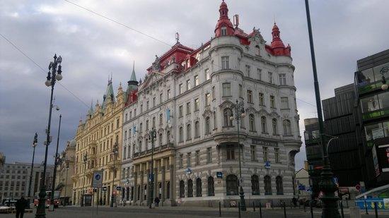 Hotel Salvator: Appena usciti dall'hotel si è già in centro