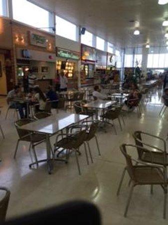 Pedro Juan Caballero, Paraguay: Praça de Alimentação
