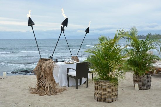 Four Seasons Resort Hualalai: optional romantic dinner at the beach...