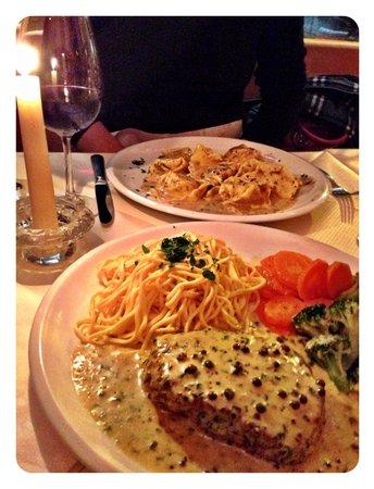 Casa Nostrana: Filetsteak mit Pfefferrahmsauce und hausgemachte Pasta.