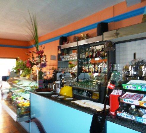 Pizzeria Heladeria Dieta Mediterranea: The Bar