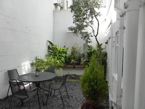 Brightonwave : Private Courtyard
