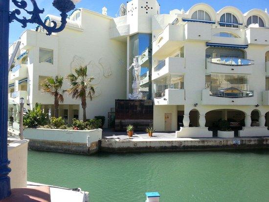 Carihuela Park Palace: Puerto Marina