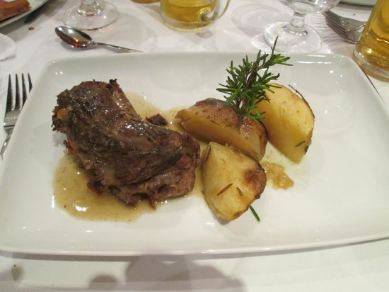 Mitsis Grand Hotel: lovely meal at the atalian