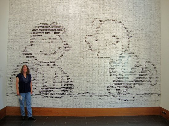 Charles M. Schulz Museum: Fascinating tile mural with over 3500 comic strips