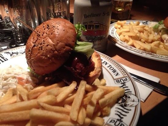The Pub: panini