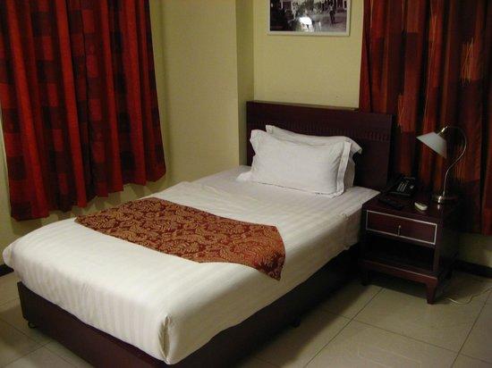 Hotel Palacio: Cama boa - bem dura!