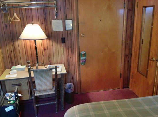 Paradise Inn at Mount Rainier: Desk