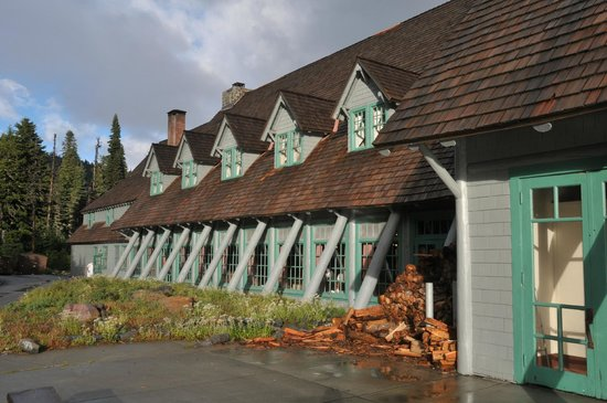 Paradise Inn at Mount Rainier: Inn