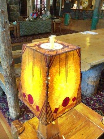 Paradise Inn at Mount Rainier : Lamp