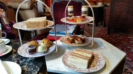 The Kensington : Cakes and Sandwiches