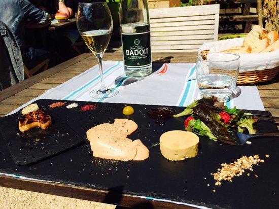 Cabanoix et Chataigne : Trio de foie gras. Sels de différentes parties du monde que l'on peut acheter à la boutique.