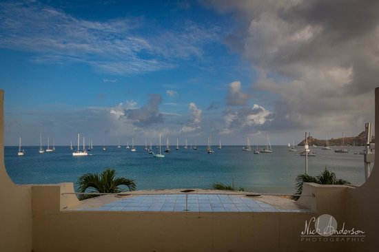 Royal St Lucia Resort and Spa: Ocean view from the balcony.