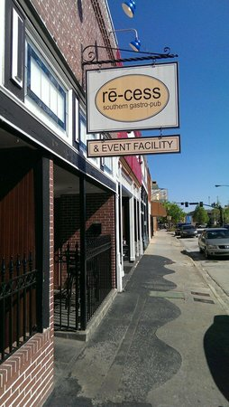 Re-cess Southern Gastro Pub: Downtown Gainesville