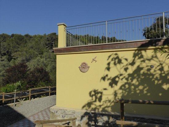 Agriturismo Rio Castello: La stanza della colazione vista da fuori