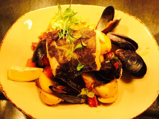 The Tenby: Cod and Mussels
