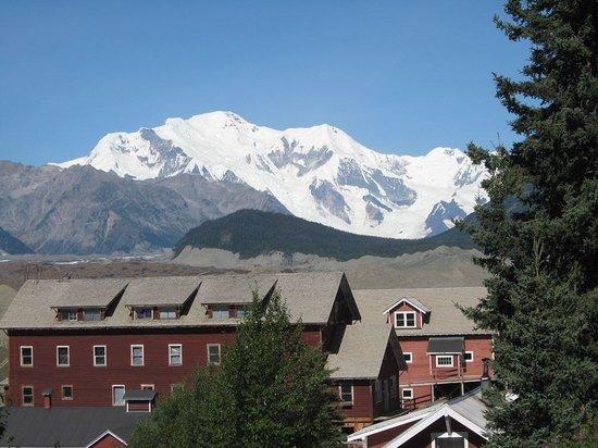 Copper River Princess Wilderness Lodge: Mount Blackburn--Highest of the Wrangells--16,300.