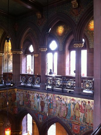 Scottish National Portrait Gallery: Magnificent walls on the first floor