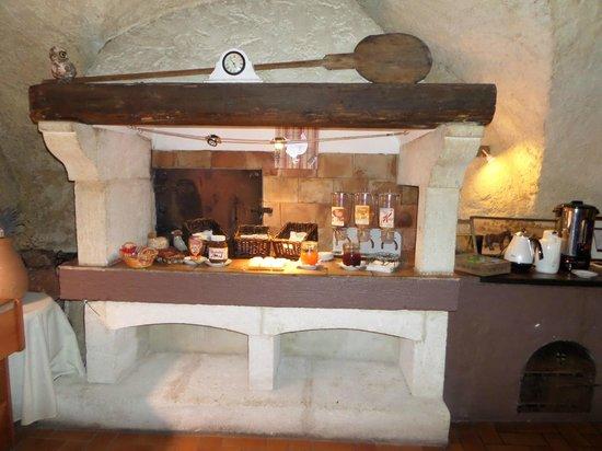 Le Domaine de la Reynaude : Le buffet du petit déjeuner