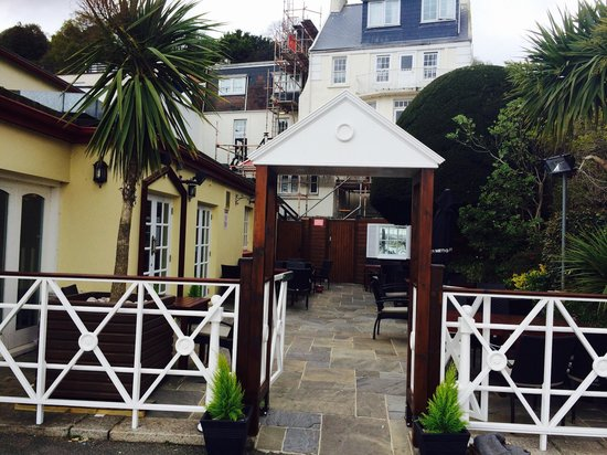 The Tenby: New entrance